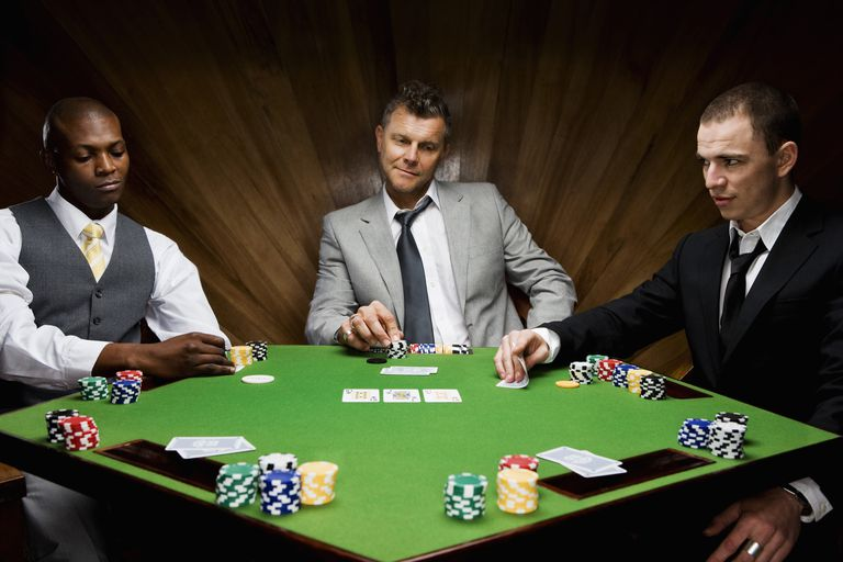 Playing Poker Over Online Casinos