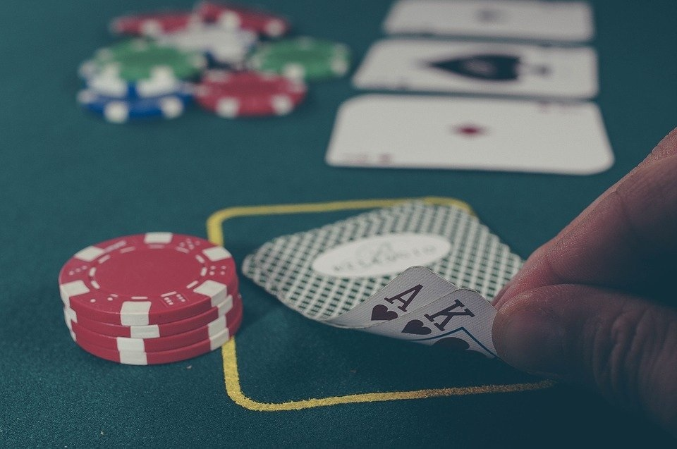 Online Gambling – 4 Tips That You Must Know