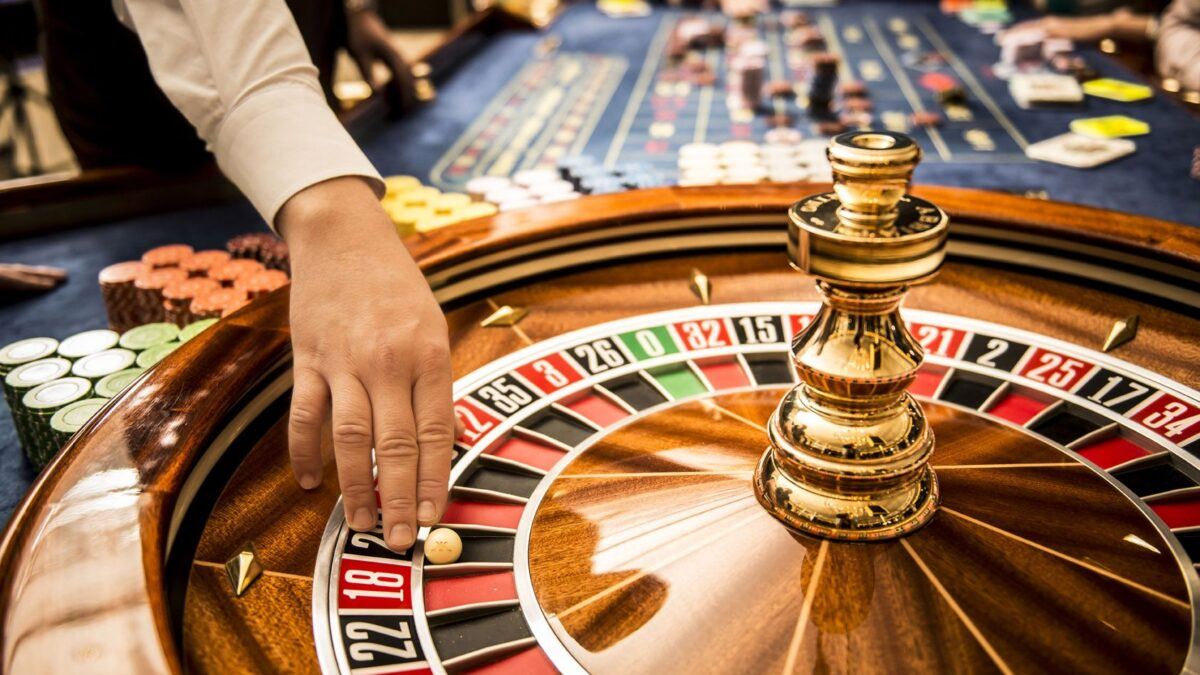 Basics of Playing Online Roulette