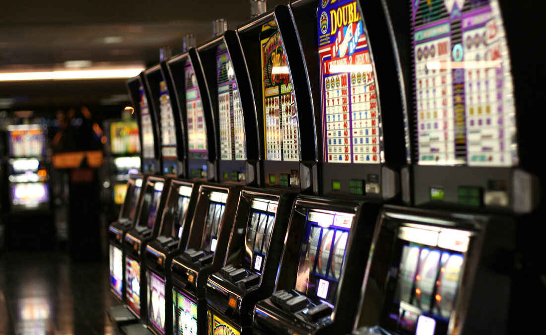 Get Huge Fun And Entertainment With Slots